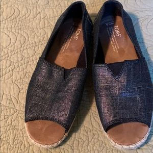 Toms peep toe shoes in EUC